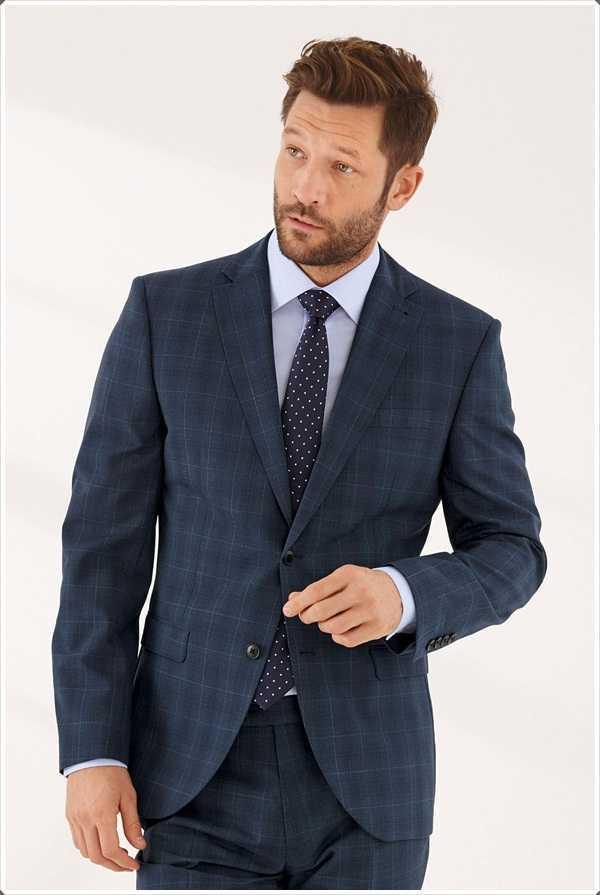trajes simples como estos son perfectos para la oficina