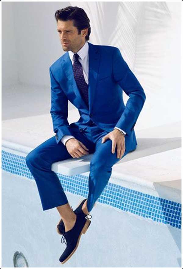 Este verano, use un traje azul y obtener toda la atención