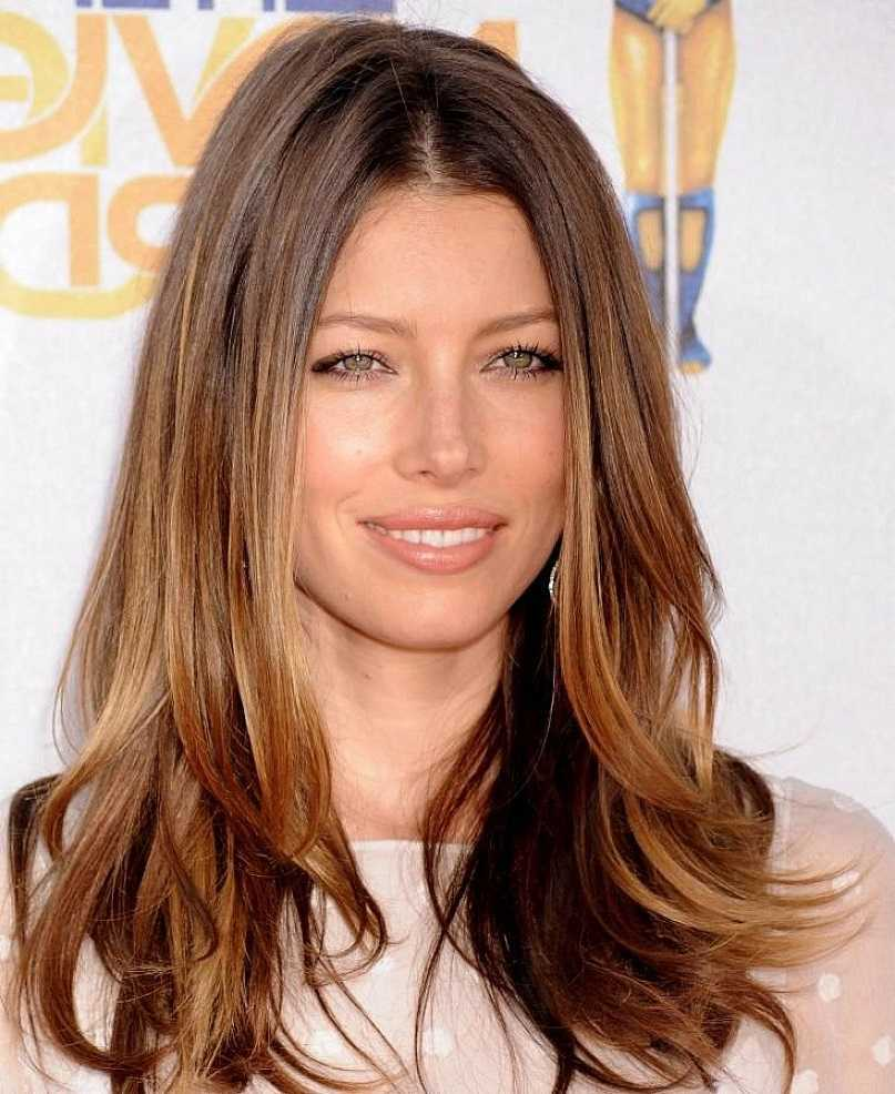 Long-Straight-Hairstyles-for-Women