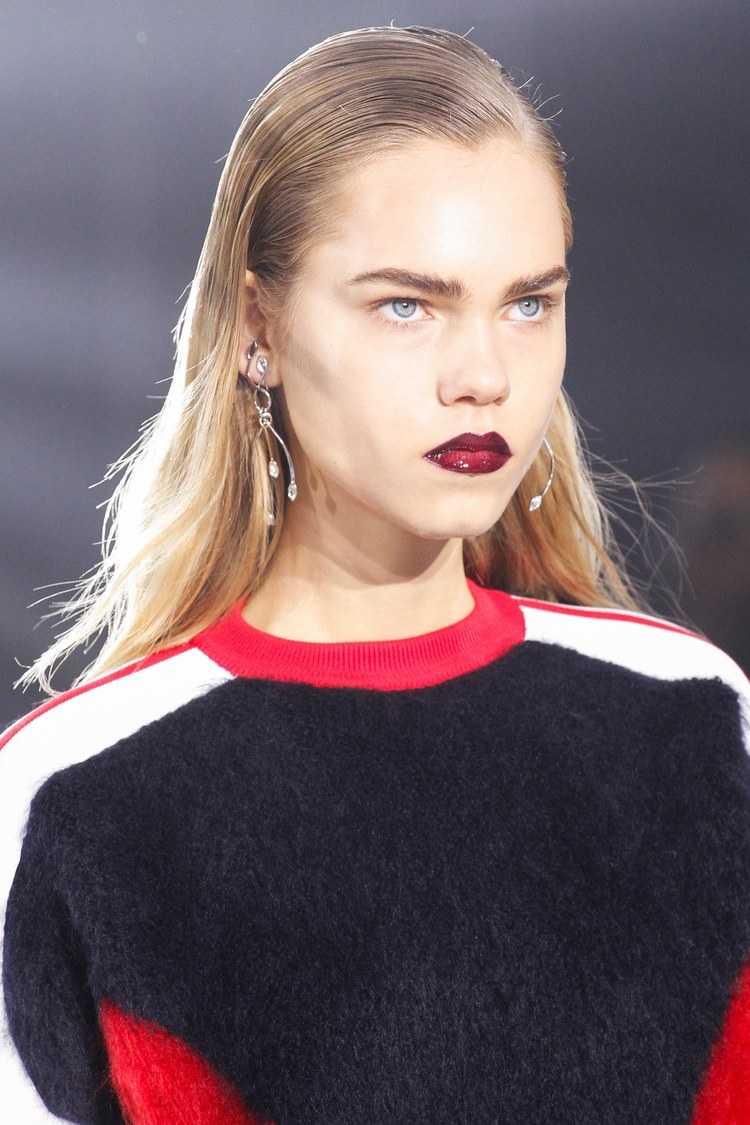 Louis Vuitton FW17 peinado hacia atrás peinados