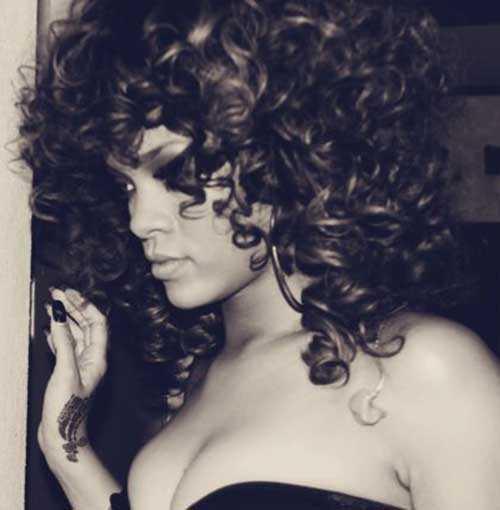 Rihanna de pelo largo rizado-8