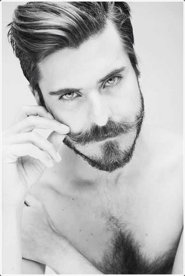 Si quieres un bigote como el manillar una barba corta sería mejor complementarlo!