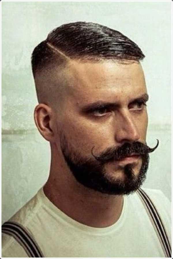 bigote Sharp, corta rastrojo, pelo cortado al rape presentar un presente aristocrática
