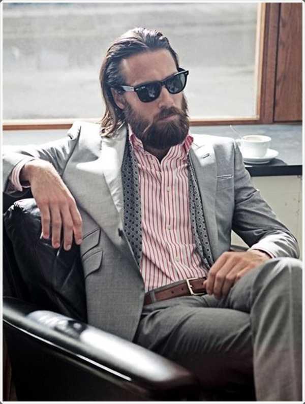 el pelo largo con toda la barba te hace ver profesional y competente