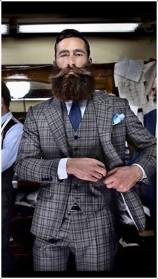 barbas largas son no sólo mantuvo por leñadores y paletos. el uso de barba larga, junto con un traje a la oficina presenta un aspecto muy agradable