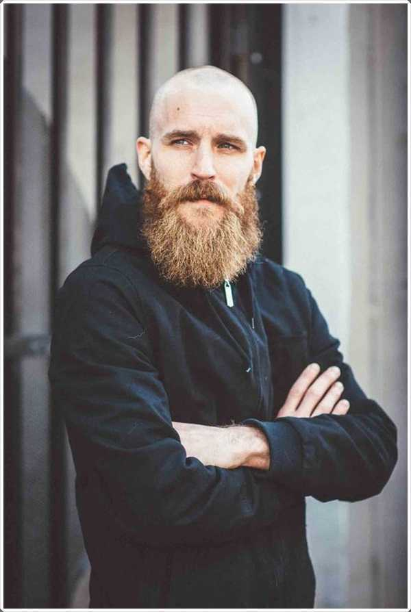 El estilo correcto de la barba puede distraer la atención de una cabeza calva.