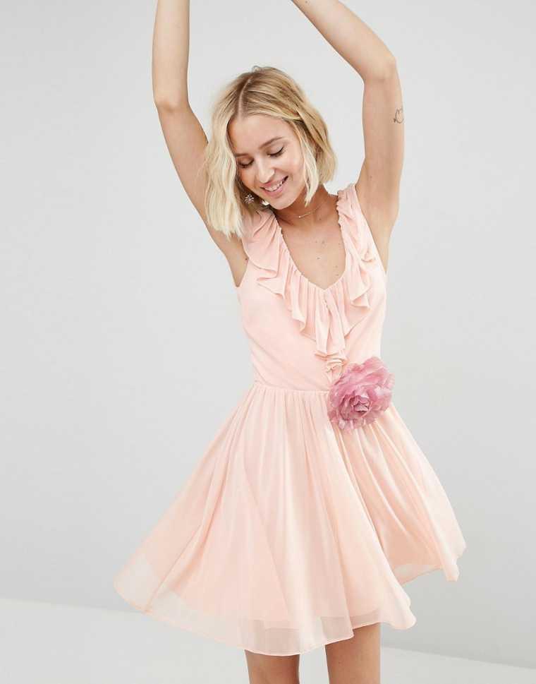 corte de pelo mujer de la idea vestido rosa cuadrada