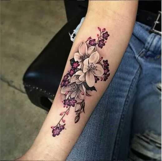 tatuaje de flores diseña para las mujeres