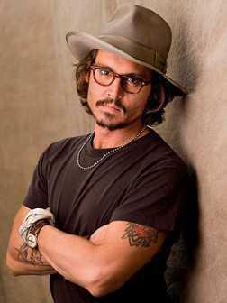 Johnny Depp peinados