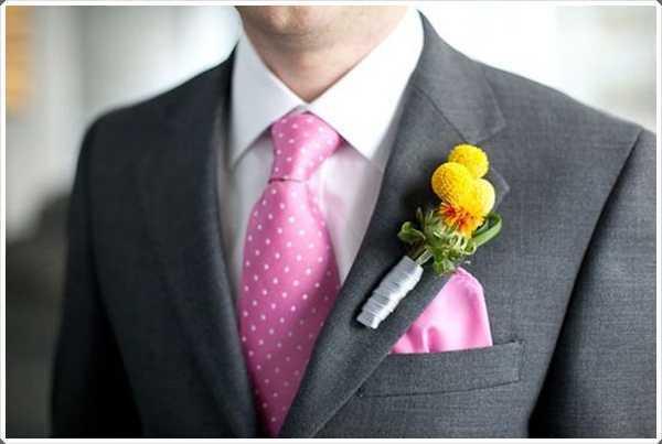Rosa y lazo blanco es un lazo que es adecuado para todos los jóvenes y ancianos