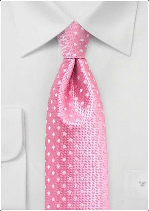 Las mujeres encuentran lazos de color rosa muy atractivos.