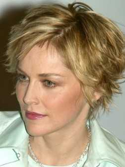 short-hairstyles-for-older-women-4-252x336