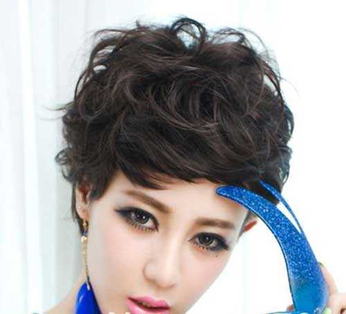 corto cortes de pelo rizado para el cabello ondulado