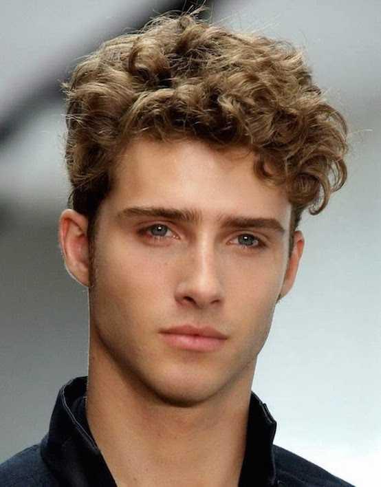 Curly peinados para la plaza Caras 554