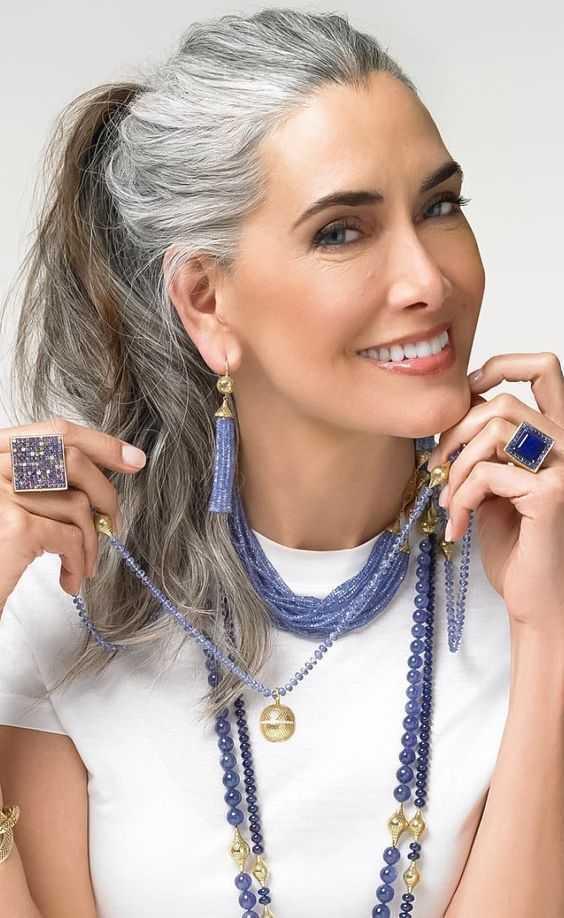 estilos de pelo gris las mujeres mayores