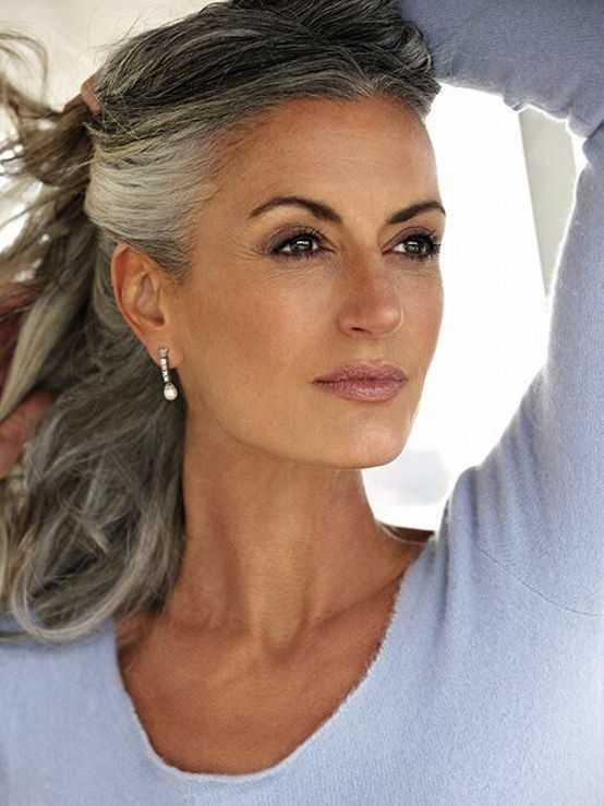 Gris Natural Peinados para Las mujeres