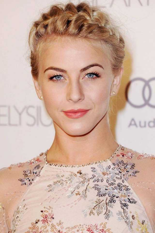 Julianne Hough Corona trenza a través de