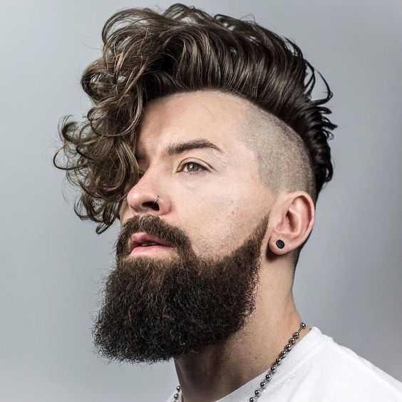 nuevos hombres peinados para pelo rizado