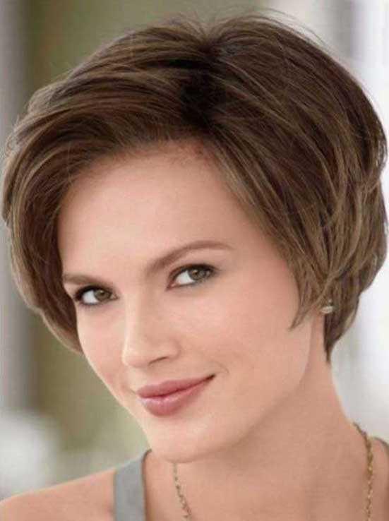 pelo corto para las caras ovaladas