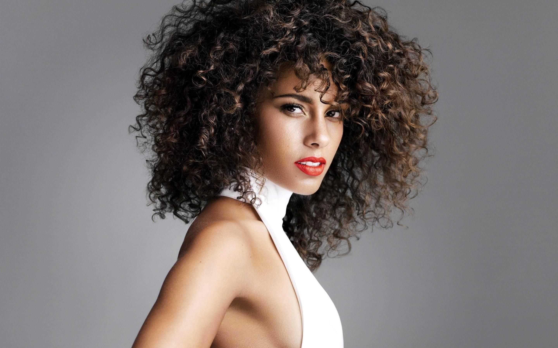 Alicia-Keys-Curly-Hair