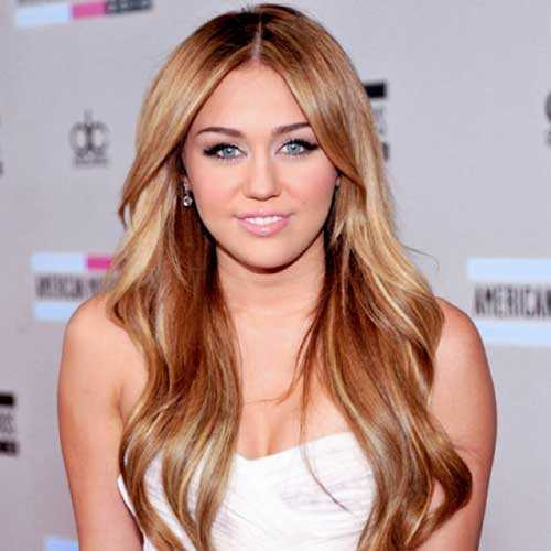 Miley-Cyrus-Long-Straight-Hair