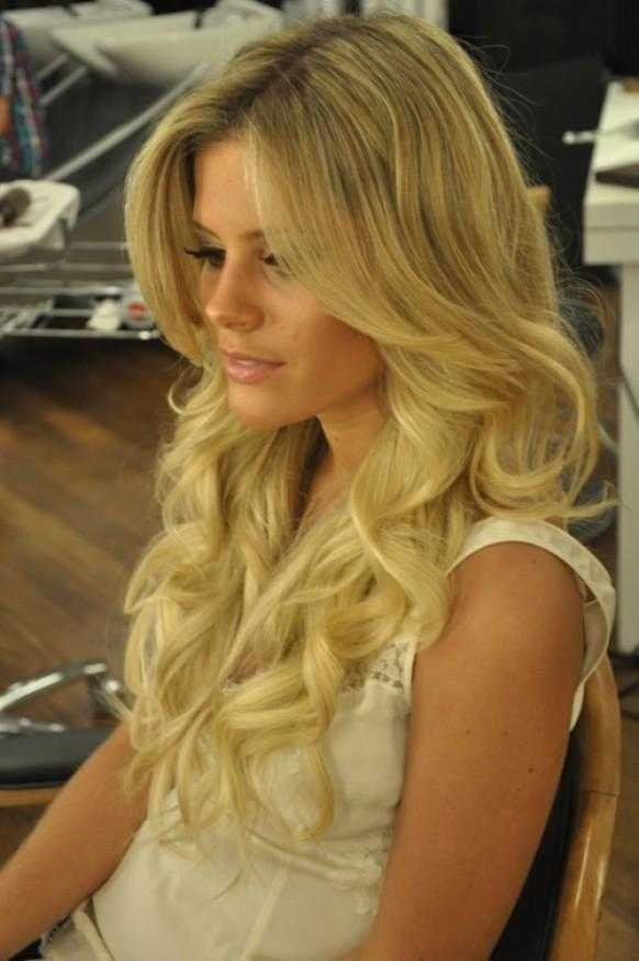 Curls-Summer-Wedding-Hairstyles